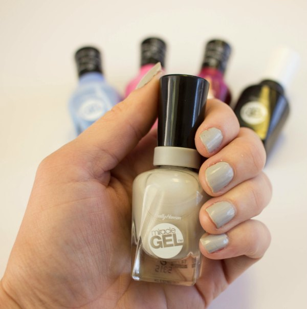 Review Sally Hansen Miracle Gel Polish