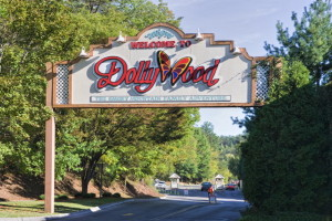 Dollywood entrance sign in Pigeon Forge