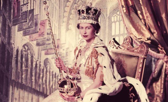67 років на престолі: згадуємо найцікавіші факти про коронацію Єлизаети ІІ
