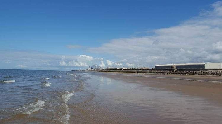 best things in Blackpool - Starr gate beach