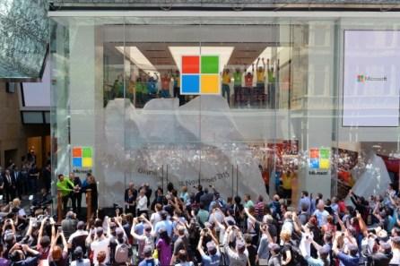 01 Microsoft Store Grand Opening (12 Nov 2015)