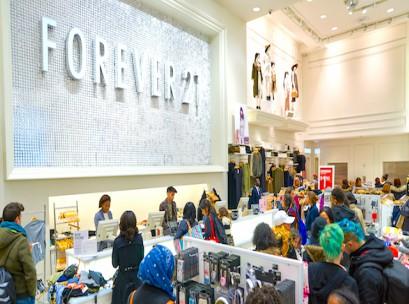 Forever-21-cashier-New-York