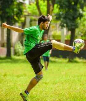 Ayman Sadiq sports Photo