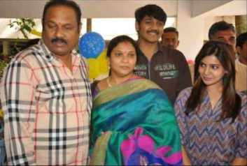 Samanta Akkineni with her Parents