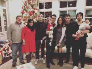 Nick Jonas with his Family Picture