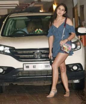Sara Ali Khan with car Photo