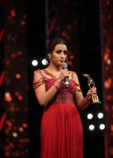 Trisha Krishnan Award Photo