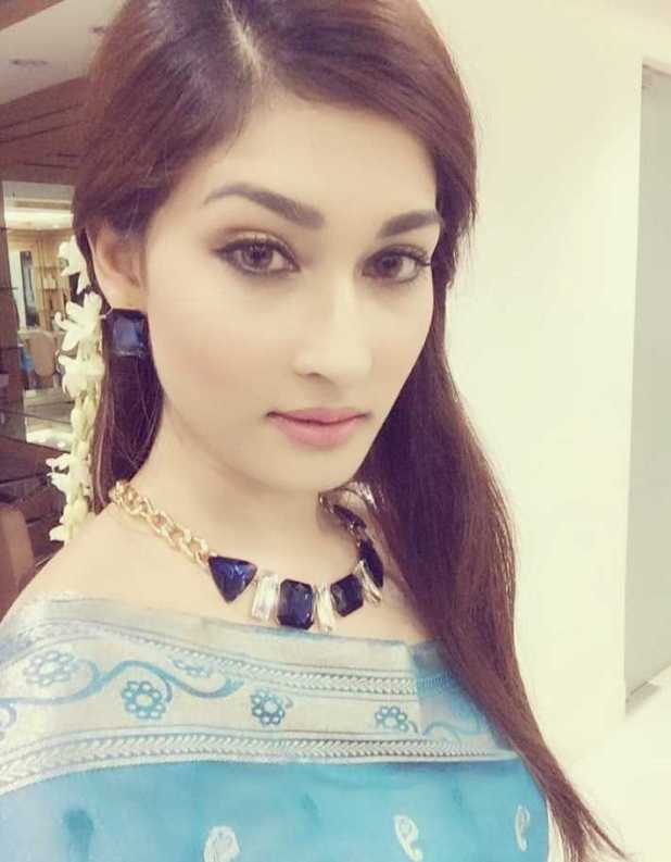 Model Umme Ahmed Shishir beautiful selfie photo