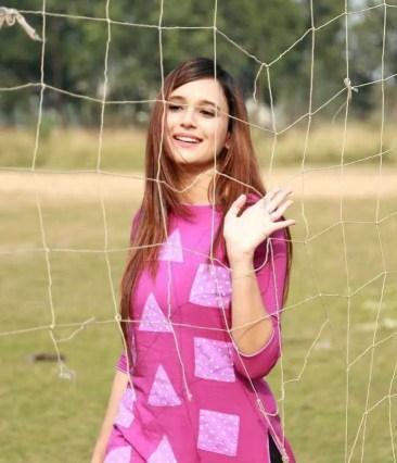 Sabila Nur pink color dress photo
