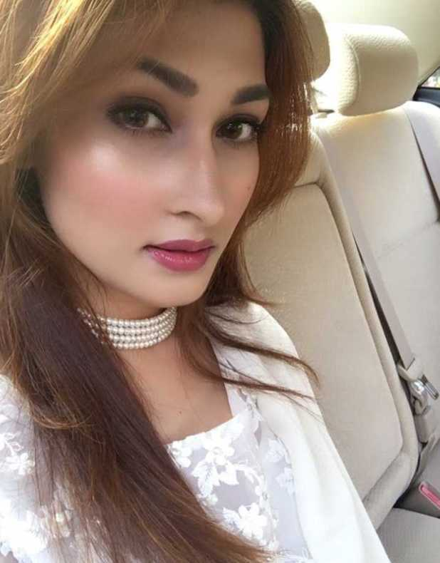 Umme Ahmed Shishir hot selfie