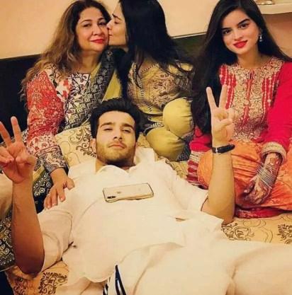 Humaima Malick with her family Photo