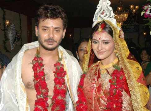 Priyanka Sarkar with Rahul Banerjee Wedding Photo