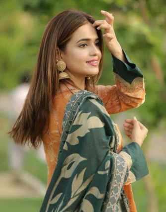 Sumbul Iqbal Modeling Picture