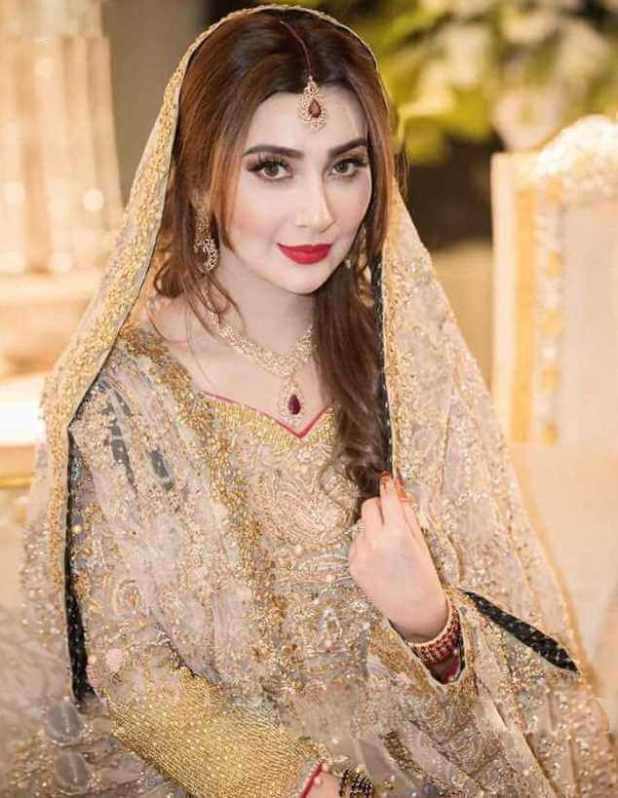 Ayesha Khan HD Picture