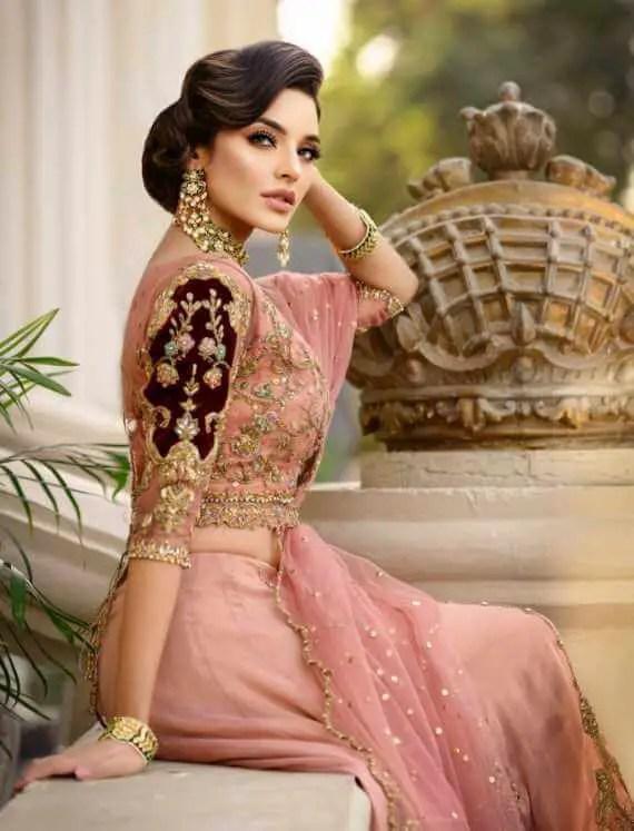 Sadia Khan HD Wallpaper