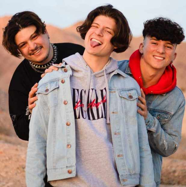 Ondreaz Lopez With his brothers Xavier Lopez and  Tony Lopez Photo
