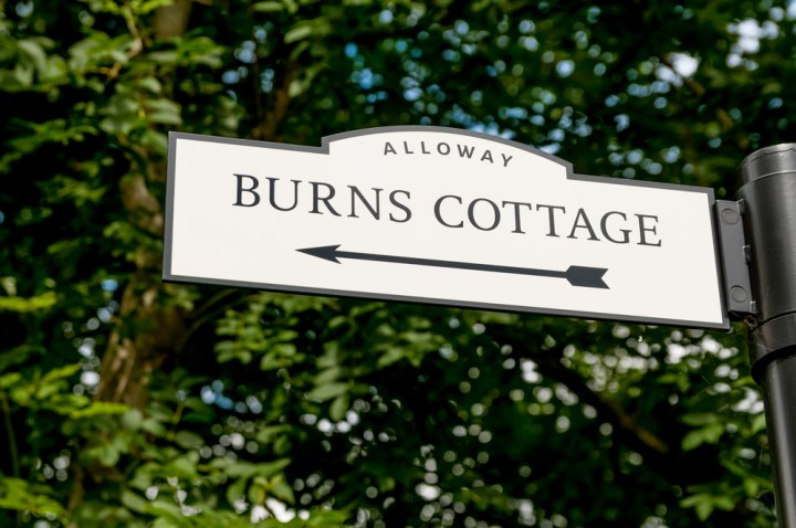 burns-cottage-sign