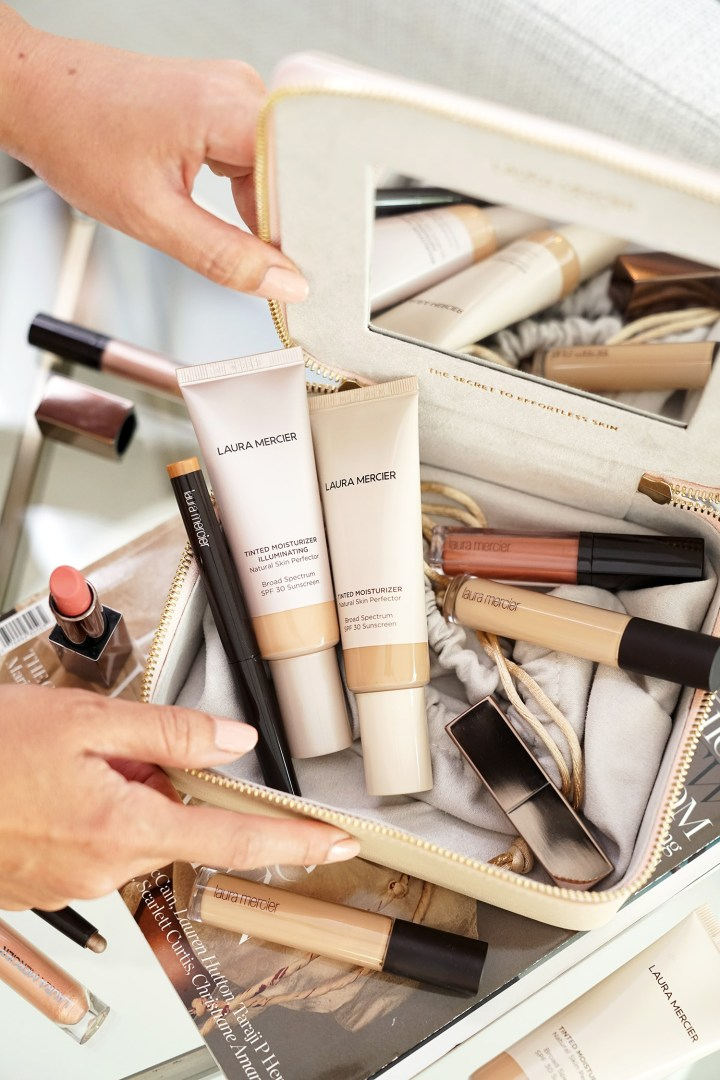 What's In Your Makeup Bag Laura Mercier