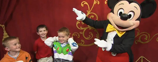 Talking mickey makes first time orlando meet and greet appearance at talking mickey makes first time orlando meet and greet appearance at walt disney world m4hsunfo Images
