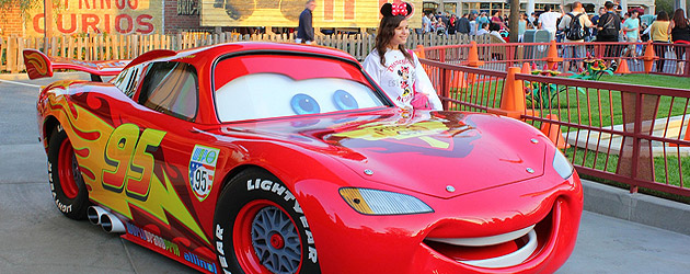 cars land characters lightning mcqueen and mater talk with