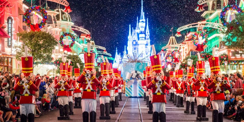 10 must dos at mickeys very merry christmas party at walt disney world
