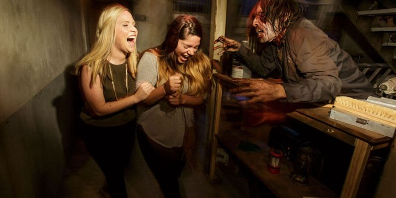 VIDEO: Creators of Halloween Horror Nights share how they scare guests at  Universal Studios