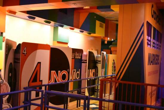 Toy Story Mania Queue - UNO Cards