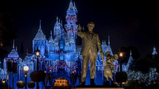 Holidays At The Disneyland Resort Announced To Return November 9
