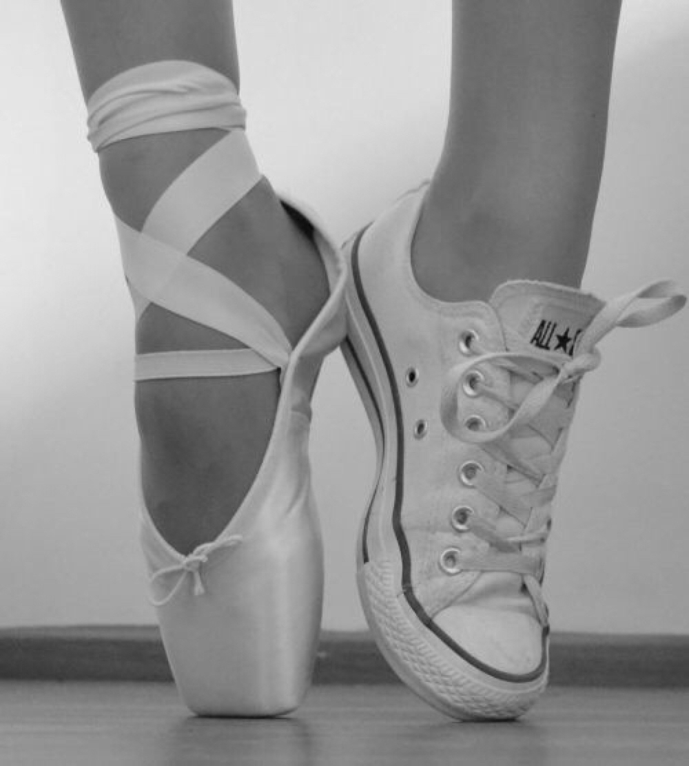 0035a10012c2 Ballet and Converse