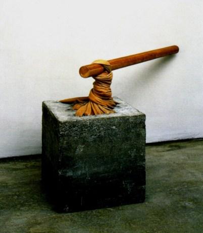 Giovanni Anselmo, Piccola torsione, 1968