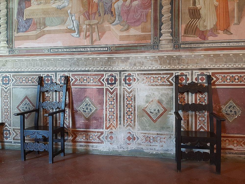 insidethestaircase castello malaspina fosdinovo interno particolare affresco ph elettra nicodemi allrightsreserved