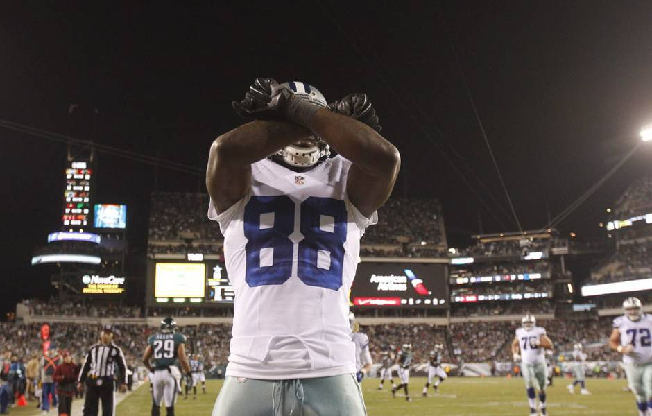 Cowboys Blog - Top 5 Things Cowboys Fans Should Fly Above Eagles Training Camp