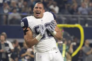 """Cowboys Headlines - PHOTO: Cowboys Pass Rusher Tyrone Crawford """"Working New Hand Moves"""" 3"""