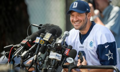 Cowboys Headlines - Tony Romo Can't Catch a Break; Not With Fans, Not With Texans Either 3