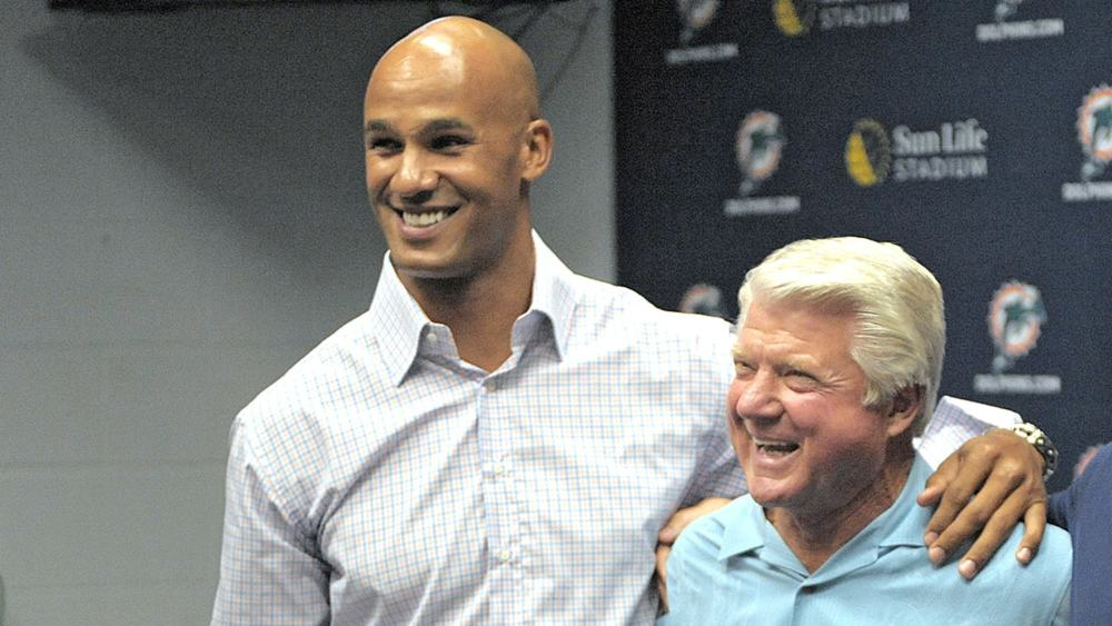 Gene Jones To Present Husband Jerry At Hall of Fame Induction