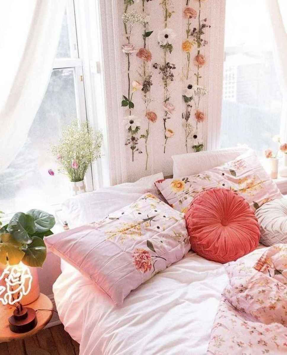 03 Cute Dorm Room Decorating Ideas on A Budget