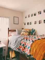 05 Cute Dorm Room Decorating Ideas on A Budget