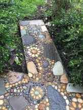09 Beautiful DIY Mosaic Garden Path Decorations For Your Landscape Inspiration