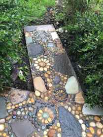 09 Beautiful DIY Mosaic Garden Path Decorations For Your Landscape Inspiration