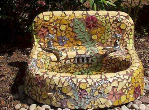 12 Excellent DIY Mosaic Garden Decoration Ideas for Front and Backyard Landscaping