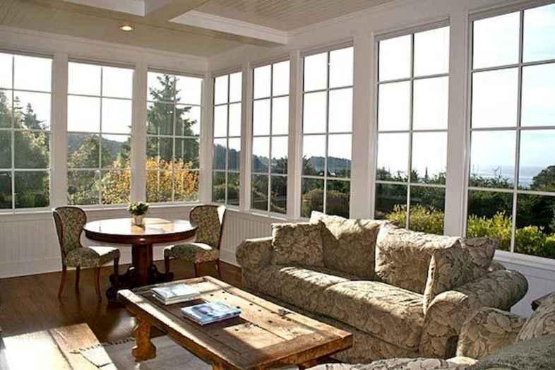 20 Cozy Farmhouse Sunroom Decor Ideas