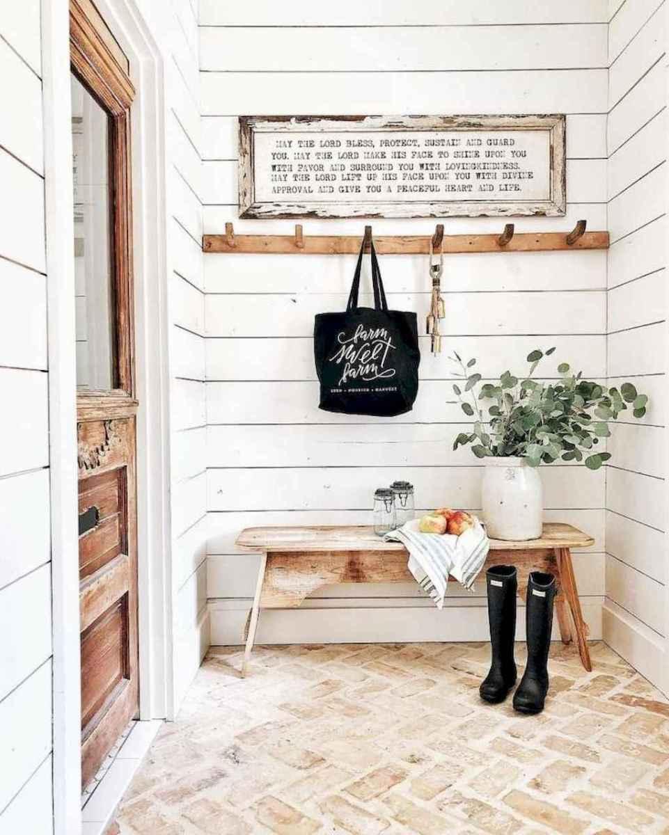 26 Inspiring Farmhouse Entryway Decor Ideas