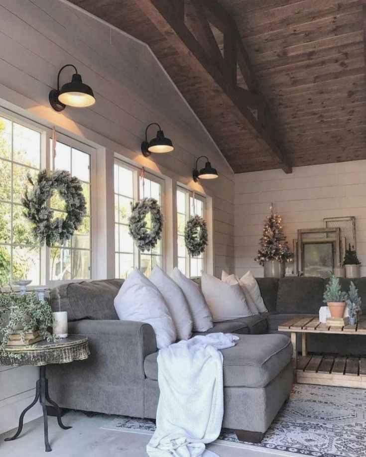 32 Cozy Farmhouse Sunroom Decor Ideas