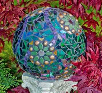 32 Excellent DIY Mosaic Garden Decoration Ideas for Front and Backyard Landscaping