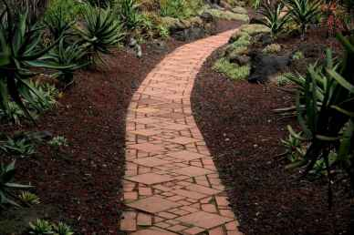 43 Fabulous Garden Path and Walkway for Front and Backyard Ideas