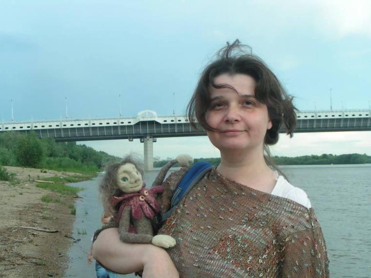 Yaroslava bykova with a puppet of Francois Villon 1