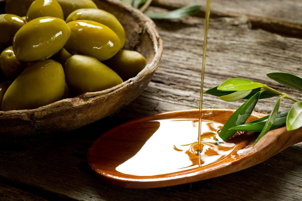 One excellent source of polyphenols is extra virgin olive oil.