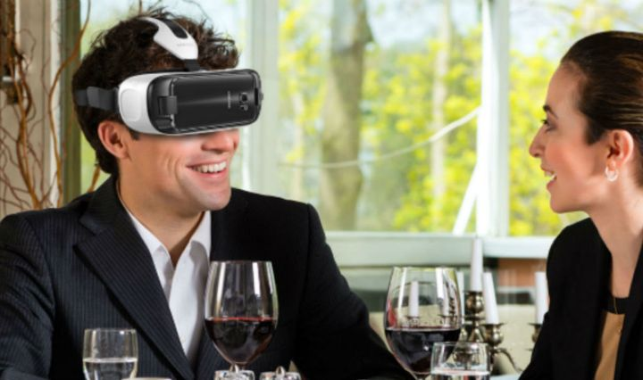 The Samsung Gear VR transforms the dining experience for guests.