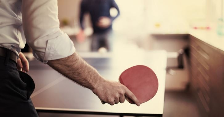 Read more about the article Illustrated guide on how to hold(grip) a ping pong paddle
