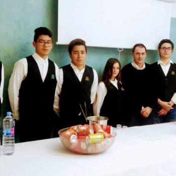 Auxiliar d'hoteleria, cuina i serveis de restaurant i bar